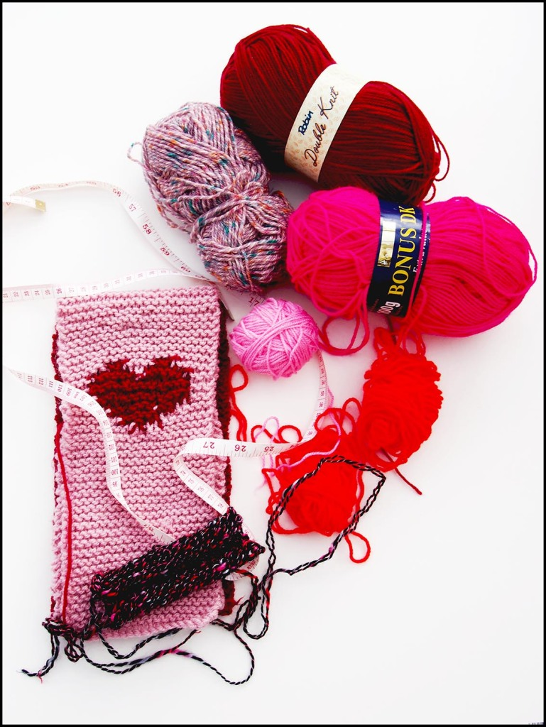 Knitting a LOVE blanket
